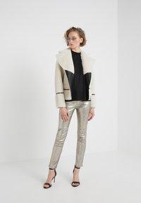 2nd Day - RENE - Pantalon en cuir - silver - 1