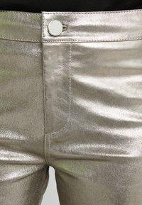 2nd Day - RENE - Pantalon en cuir - silver - 4