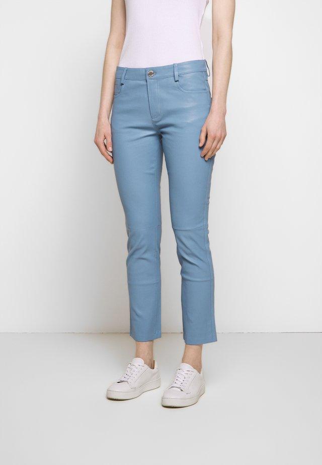 2ND RUBY - Spodnie skórzane - faded denim