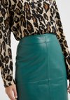 2nd Day - CECILIA - Pencil skirt - posy green