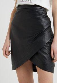 2nd Day - RUSSO - Falda de tubo - black - 4