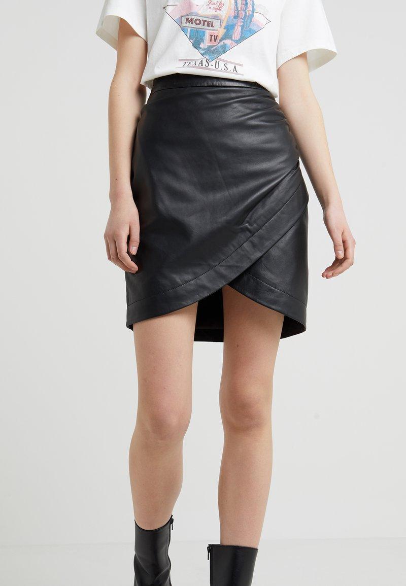 2nd Day - RUSSO - Falda de tubo - black
