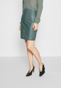 2nd Day - ELECTRA - Pouzdrová sukně - sagebrush - 0