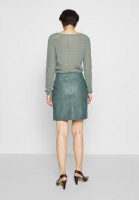 2nd Day - ELECTRA - Pouzdrová sukně - sagebrush - 2
