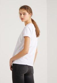 2nd Day - FUTURA - T-shirts med print - white - 2