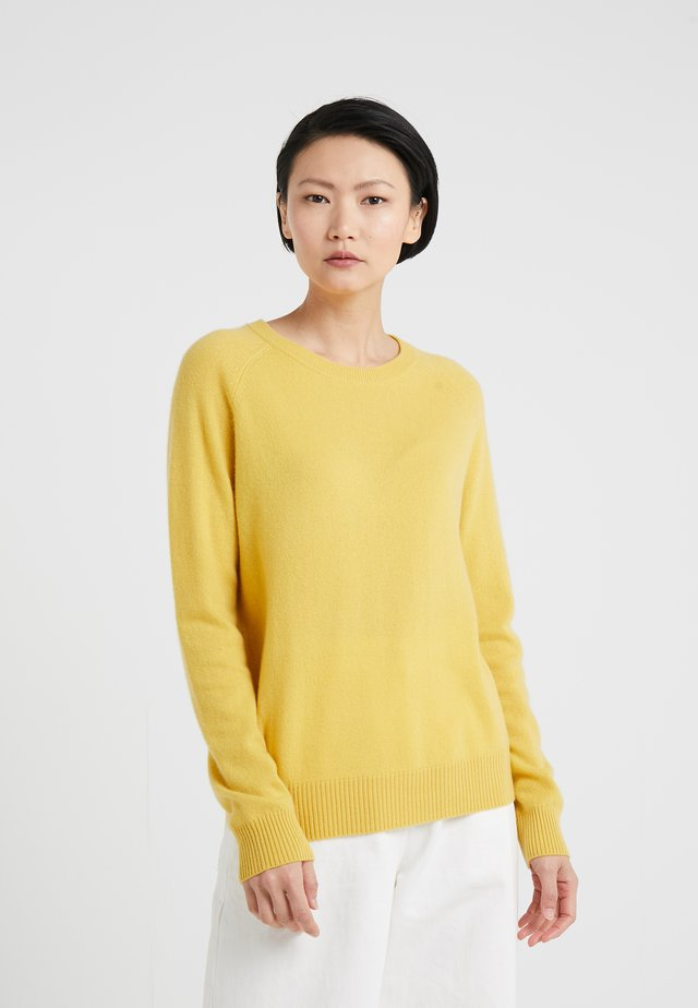 MILA - Strickpullover - misted yellow