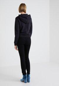 2nd Day - SALLY CROPPEDSAILOR - Jeans Skinny - black denim - 2