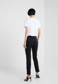 2nd Day - SALLY CROPPED ONYX - Jeans Skinny Fit - black denim - 2
