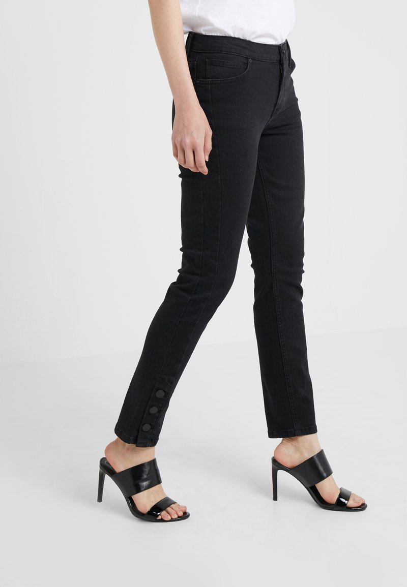 2nd Day - SALLY CROPPED ONYX - Jeans Skinny Fit - black denim