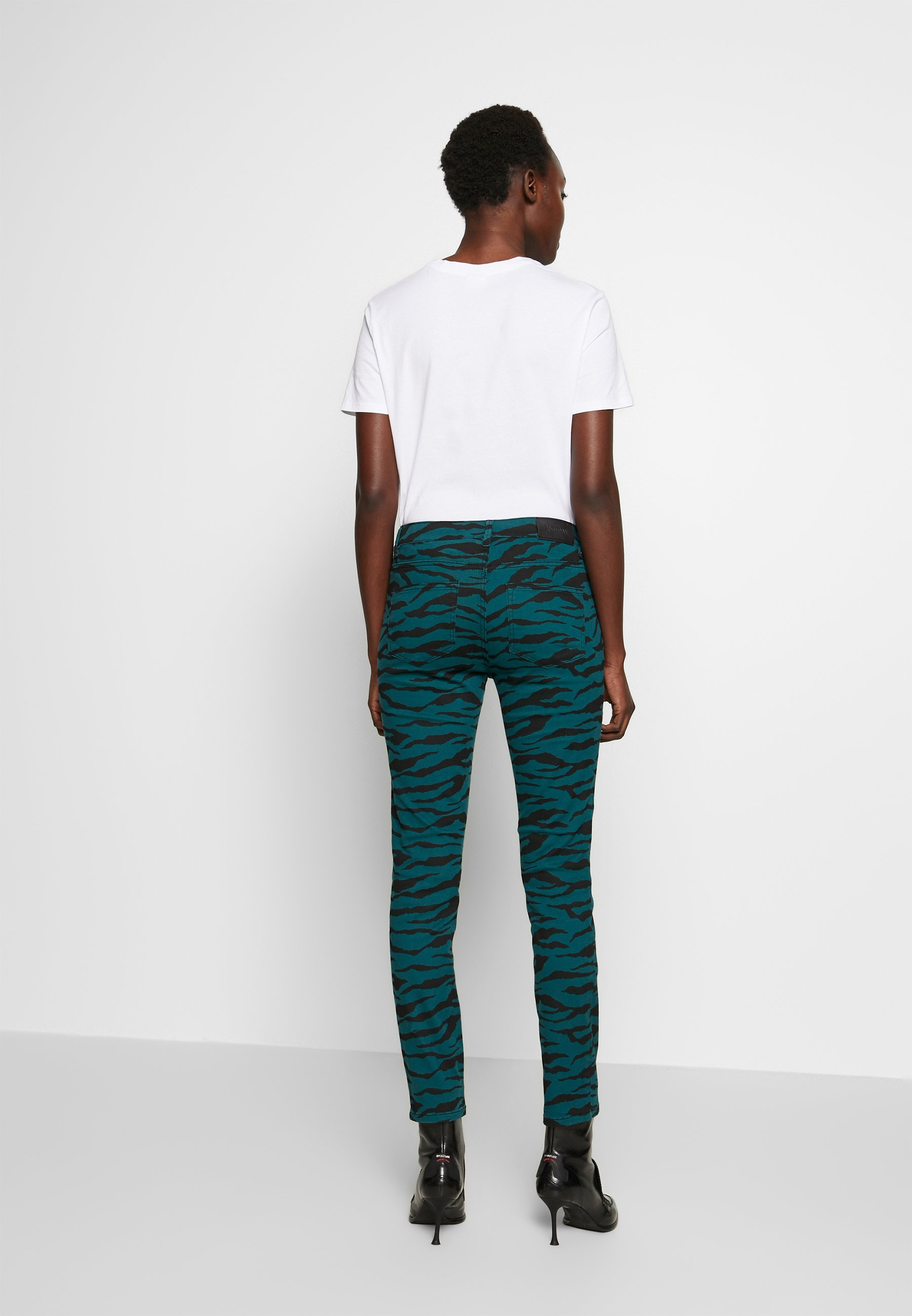 2nd Day Sally Cropped Zebra - Jeans Straight Leg Atlantic Deep