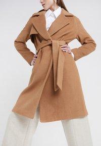 2nd Day - Zimní kabát - golden camel - 3