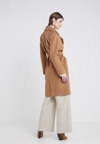 2nd Day - Zimní kabát - golden camel - 2