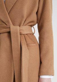 2nd Day - Zimní kabát - golden camel - 6