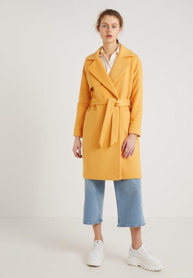 Zimní kabát - artisan gold
