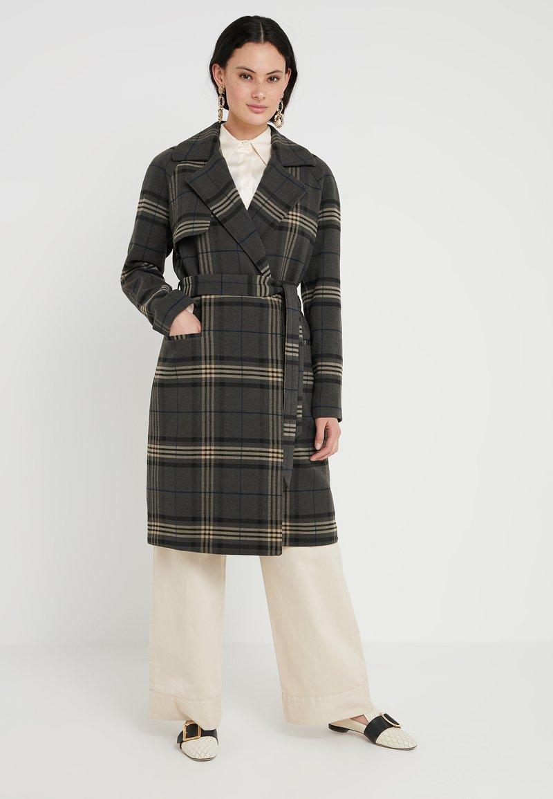 2nd Day - MAXI - Classic coat - black