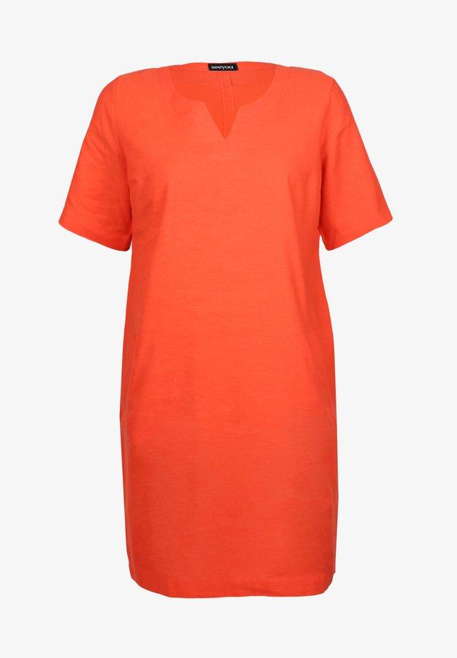 Day dress - signal