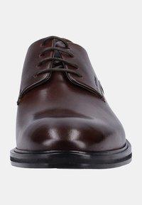 Strellson - NEW HARLEY - Eleganckie buty - brown - 6