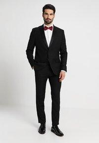Strellson - SANTOS UMA SLIM FIT - Camicia elegante - white - 1
