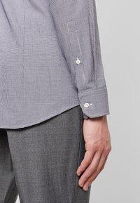 Strellson - SANTOS SLIM FIT - Formální košile - dark blue - 5