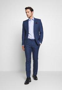Strellson - SANTOS - Formální košile - light blue - 1