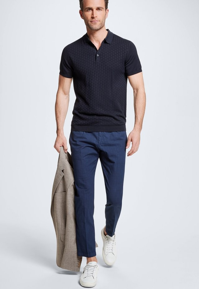 HOSE KYND - Trousers - navy