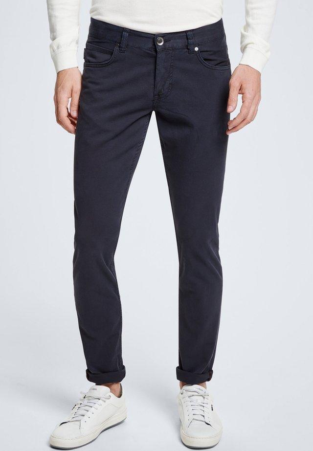 ROBIN - Slim fit jeans - dunkelblau