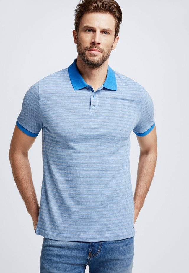 WALLACE - Polo shirt - bright blue