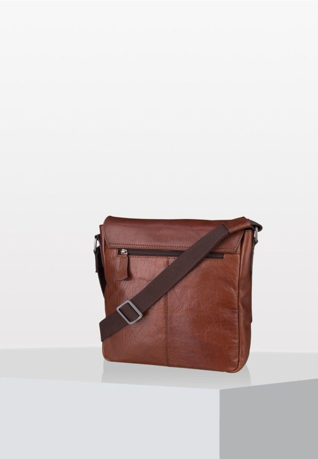 SUTTON  SVF - Across body bag - cognac