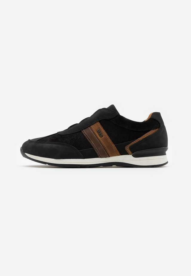 AVATO - Sneaker low - black/cognac