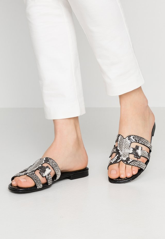 BAY - Mules - exotic black/white
