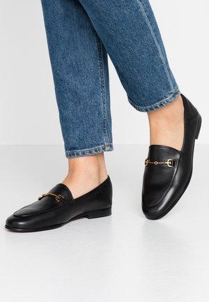 LORAINE - Nazouvací boty - black