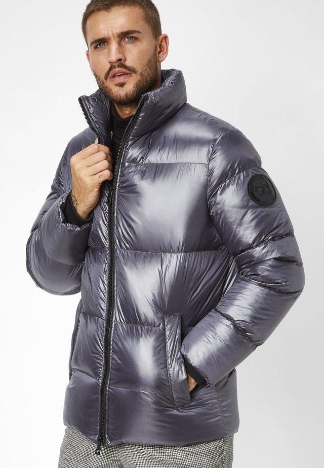 WANTED  - Winter jacket - gunmetal