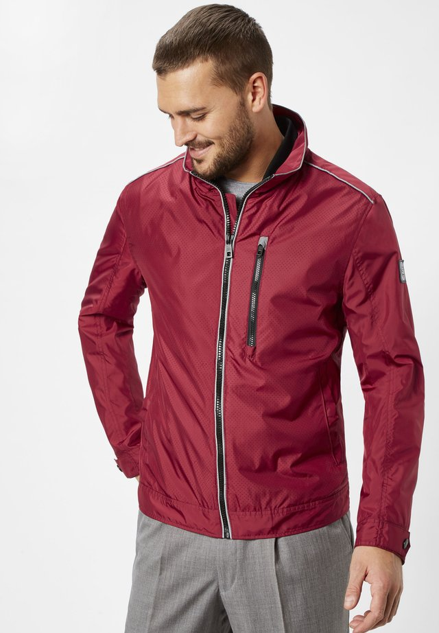 NORWICK - Light jacket - brick red