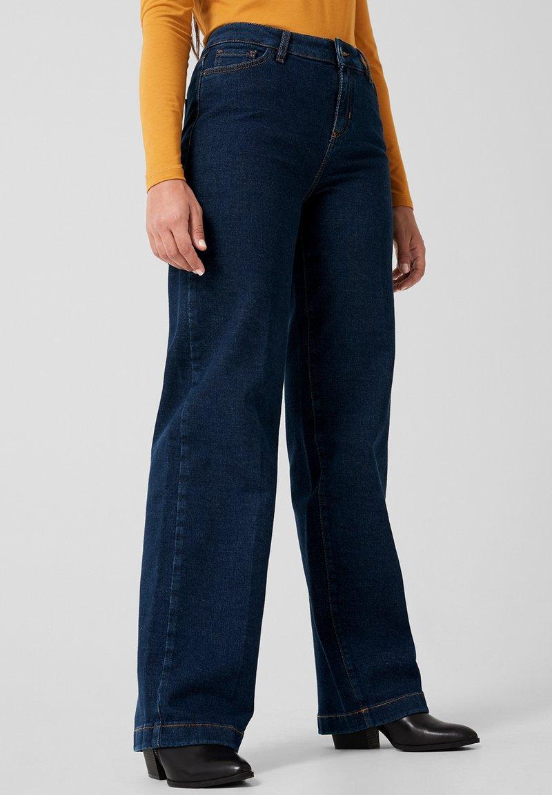 Triangle - MIT BÜGELFALTE - Flared Jeans - blue