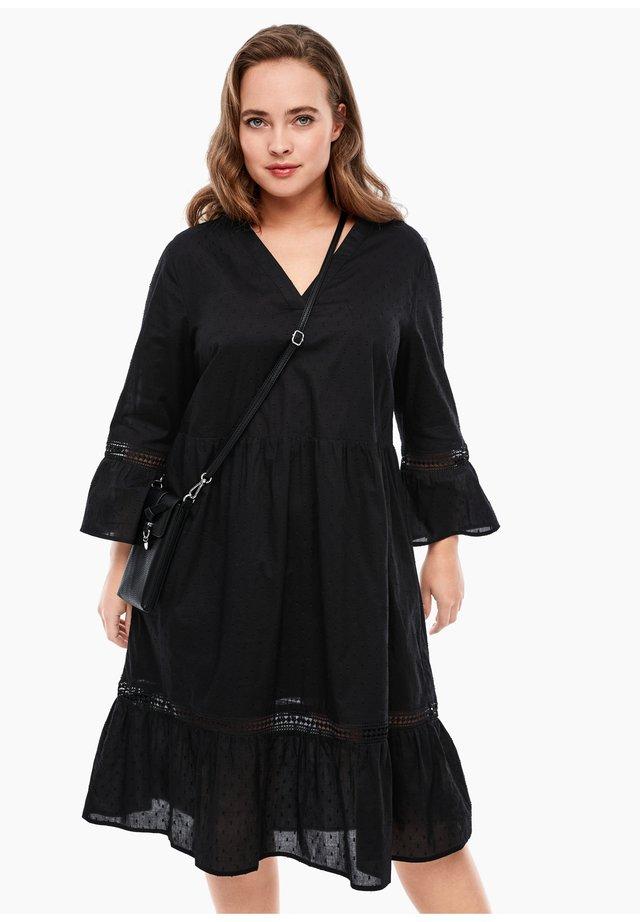 MIT HÄKELSPITZE - Korte jurk - black
