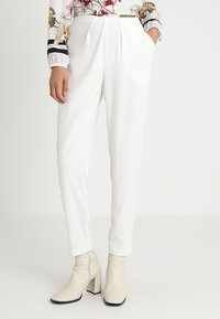 Stefanel - PANTALONE DETTAGLI PIEGHE - Spodnie materiałowe - off white - 0