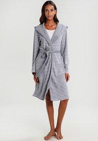 Schiesser - Dressing gown - hellgrau - 0