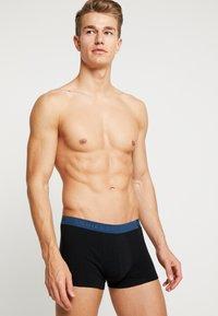 Schiesser - SHORTS 2 PACK - Panties - black/green/blue - 1