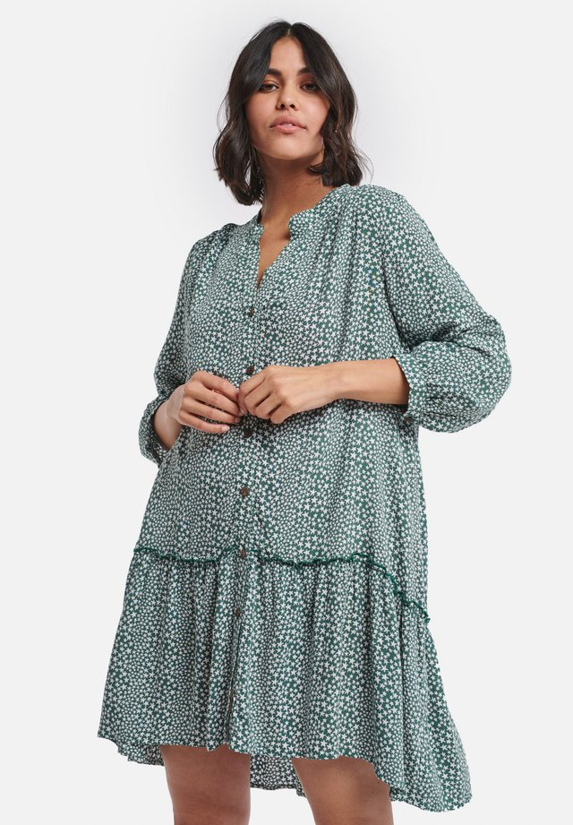 SHIWI LADIES DROP WAIST TUVALU - Shirt dress - green