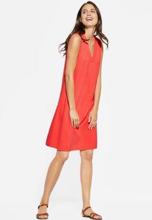 MIT V-NECK - Jersey dress - red