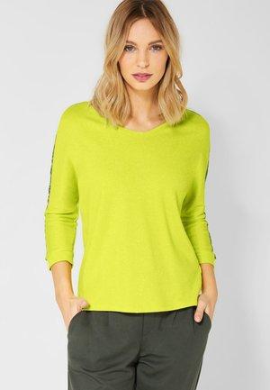 MIT V-AUSSCHNITT - Long sleeved top - yellow