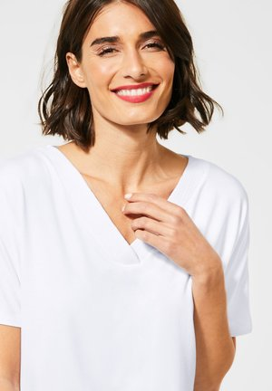 LÄSSIGES  IN UNIFARBE - Basic T-shirt - Weiß