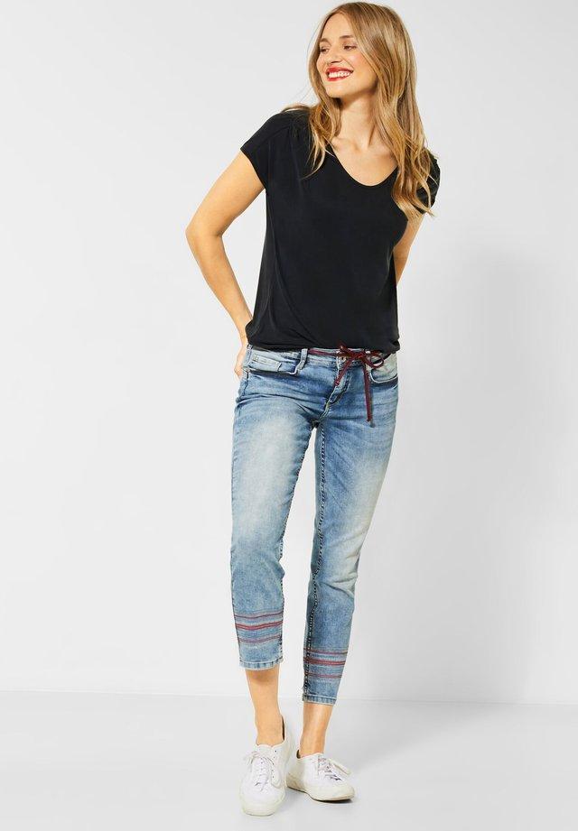 UNIFARBE - Basic T-shirt - schwarz