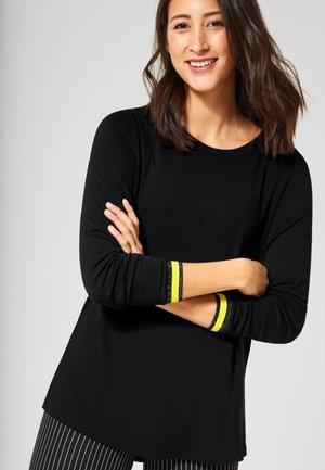 MIT FARBKICK - Long sleeved top - black