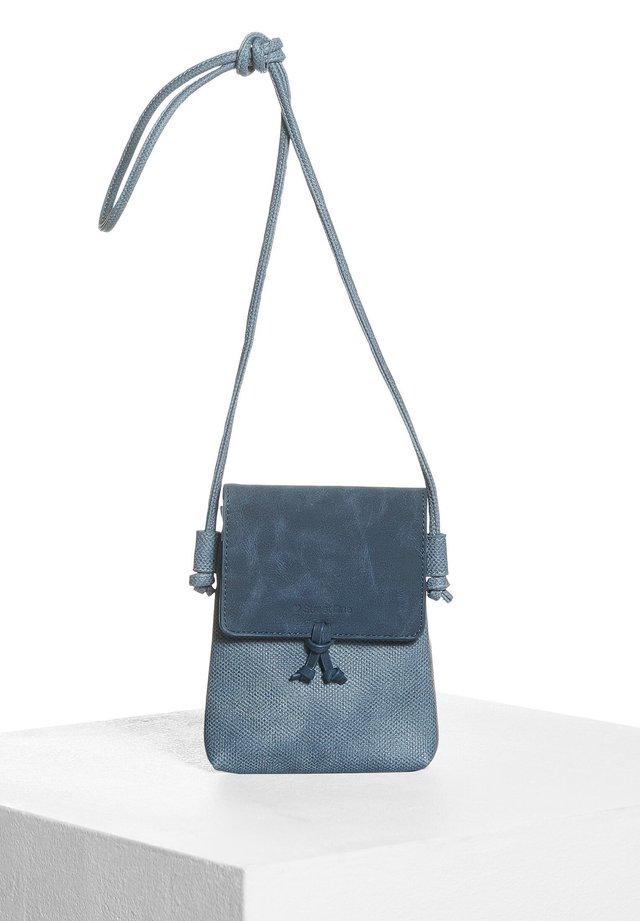 KLEINE - Across body bag - blau
