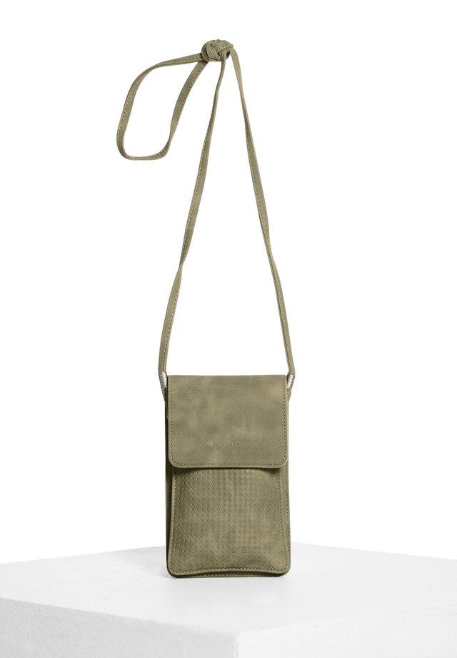 MIT TOUCH-FOLIE - Across body bag - grün