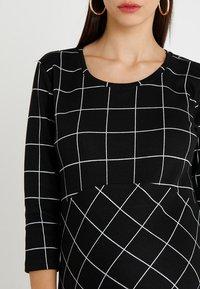 Supermom - DRESS 3/4 EASY  - Jerseykjole - black - 4