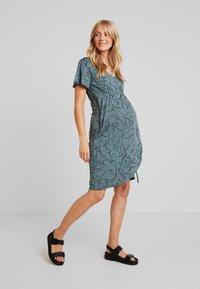 Supermom - DRESS LINES - Žerzejové šaty - balsam green - 2