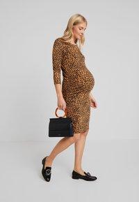 Supermom - DRESS LEOPARD - Fodralklänning - tobacco brown - 2