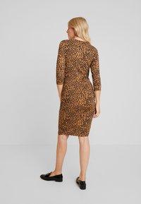 Supermom - DRESS LEOPARD - Fodralklänning - tobacco brown - 3